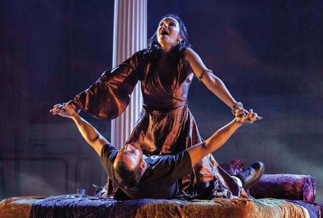 Offenbach: La belle Helene - Hannah Pedley, Anthony Flaum - New Sussex Opera (Photo Robert Knights)