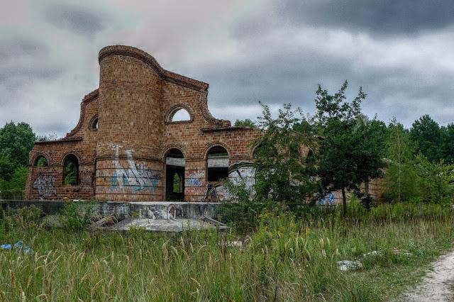 Opuszczona willa burdel w Sulejówku