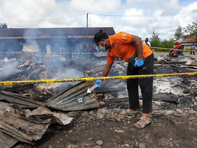 Polres Yahukimo Tangani Kasus Kebakaran 10 Unit Kios di Pasar Lama
