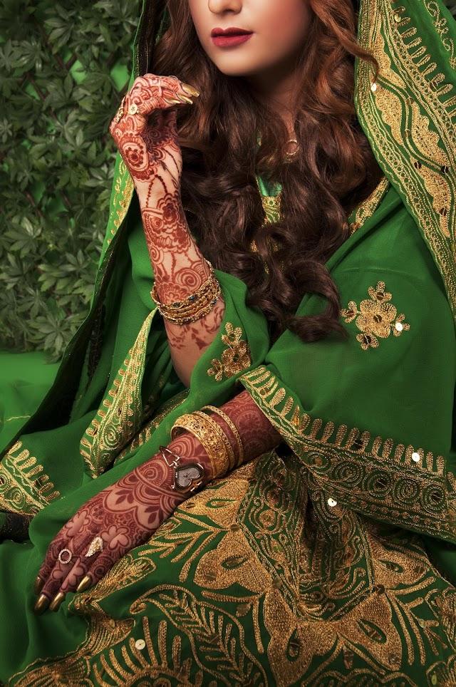 Tere mehndi lage hathon pe mera naam- Romantic Shayari