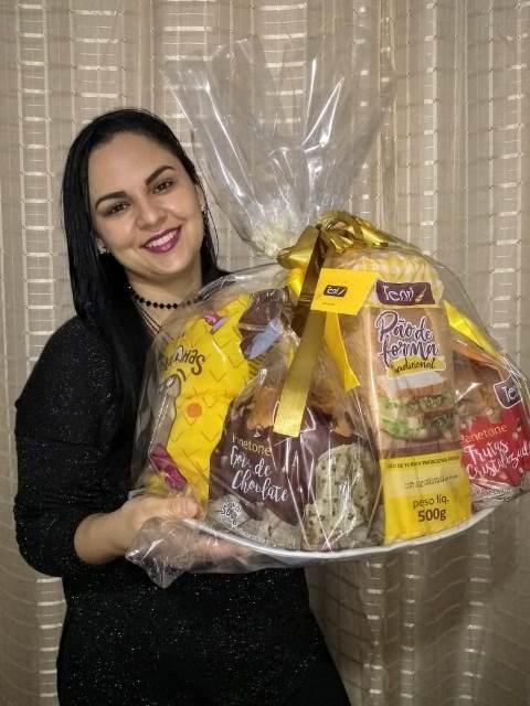 A vencedora Tâmara Bairros Rosa, de Cajati, irá receber produtos Tenri durante 1 ano