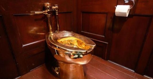 Златна тоалетна струваща 1 милион долара е открадната от британски замък