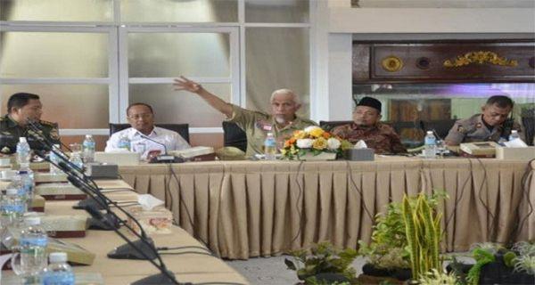 Walikota Padang Mahyeldi Minta Penerbangan di Bandara Minangkabau Dihentikan