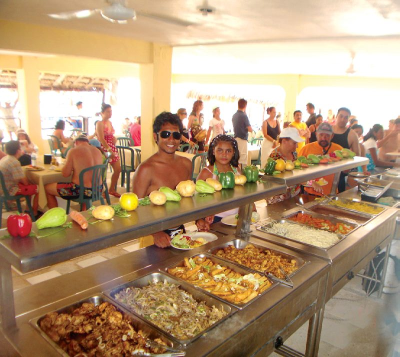 Isla Mujeres Beach Club   Buffet lunch