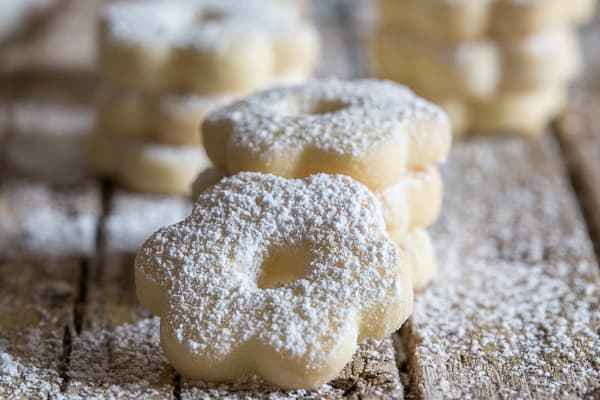 Canestrelli a wonderfully delicious Italian Cookie - an almost shortbread type cookie but with a crunch, fast and easy. The perfect afternoon tea cookie.