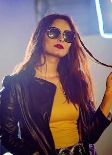 Babu Khaiso Song Actress