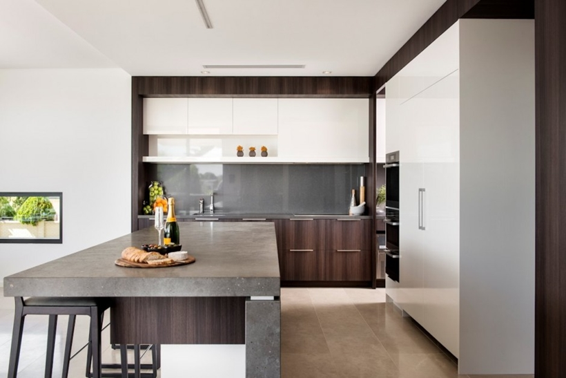 Modern kitchen by Urbane Projects