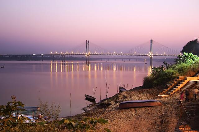 Sad love story in hindi । New kahani hindi। New Yamuna Bridge