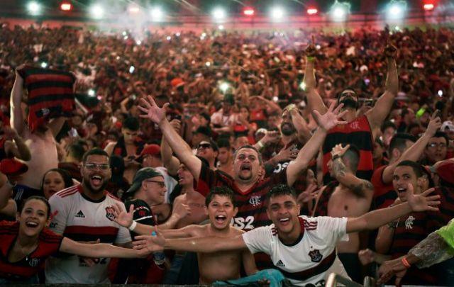 Flamengo é campeão do Brasileirão e conquista segundo título em 24 horas
