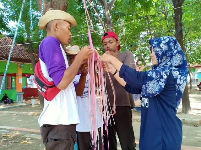 Peserta Raimuna Cabang Tuban diberi materi Makrame guna menunjang skill