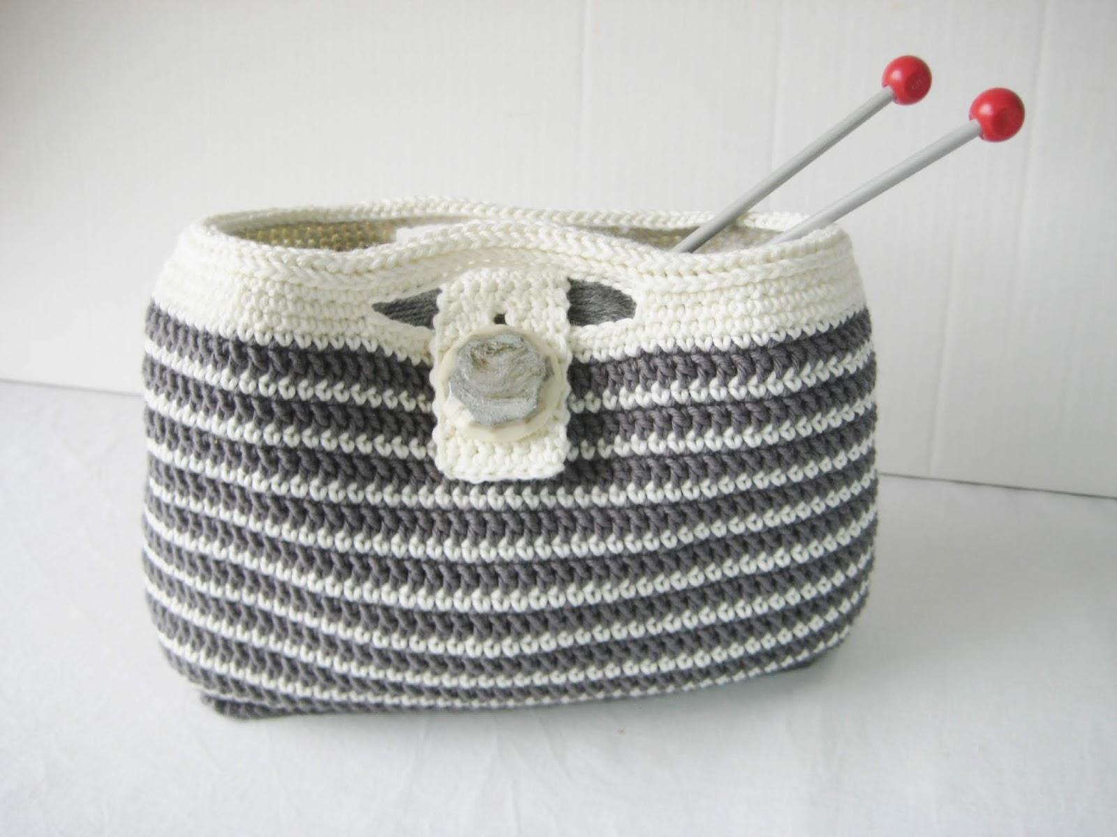 b4e113c1 Dei er fine som ei lita strikkeveske, men kan sjølvsagt og brukast til  andre ting.