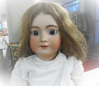 Muñeca DEP en la feria de antiguedades de Burgos