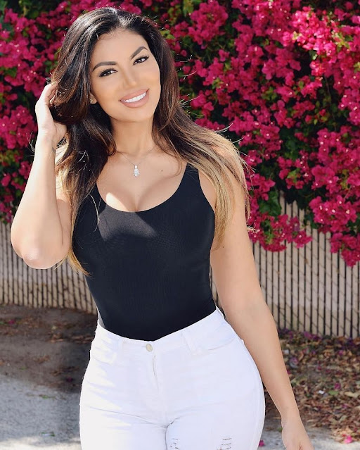 Social Media Influencer La Reina Shaw Hot Pictures Actress Trend