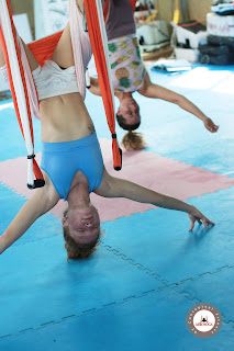 yoga, aeroyoga, puerto rico, yoga aerea, yoga aereo, aerial, aerien, air, aire, fly, flying, teacher training, gravity, suspension, anti, age, cursos, formacion, salud, bienestar, wellness, ejercicio, deporte