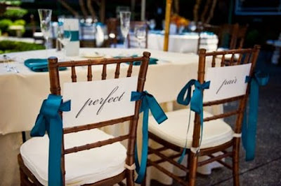 Cadeiras decoradas para casamento