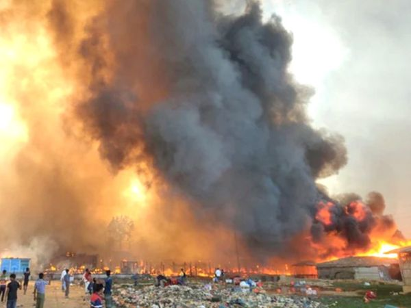 Huge fire in Bangladesh - burning thousands of homes in the world's largest Rohingya slum; 15 dead, more than 400 missing