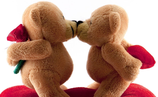 kissing teddy day image