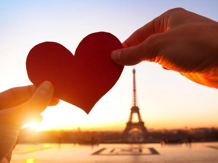 6 Kata Bijak Cinta Romantis Terbaik untuk Hidup Anda