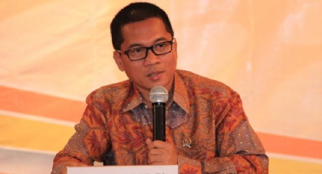 DPR Semprot Menag: Pelaku Bom Thamrin Pakai Blue Jeans, Teroris di Papua Bukan Celana Cingkrang