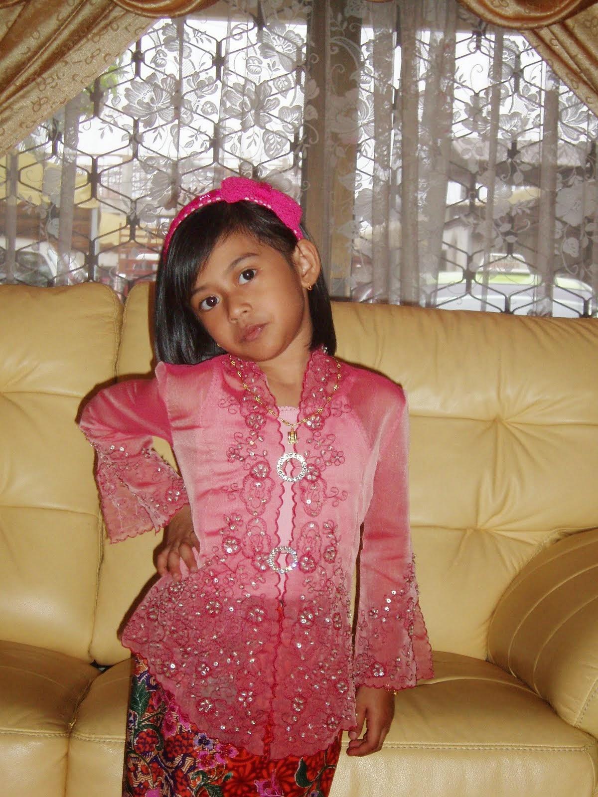 Foto Model Baju Kebaya Anak 1 Tahun