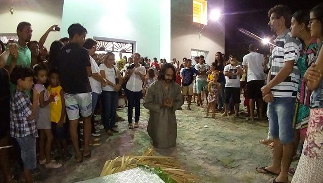 Em  Delmiro Gouveia, Encenação da Paixão de Cristo comove população