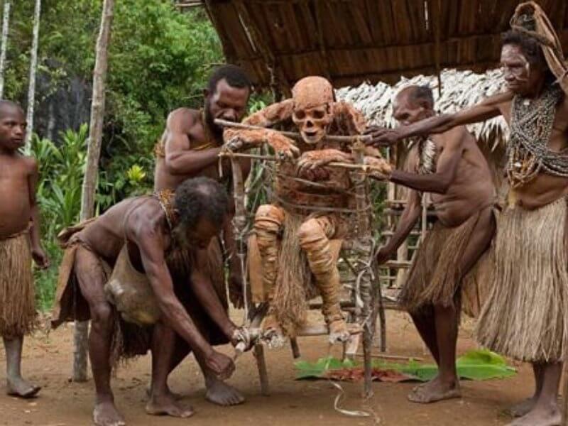 Mayat Salai suku Papua
