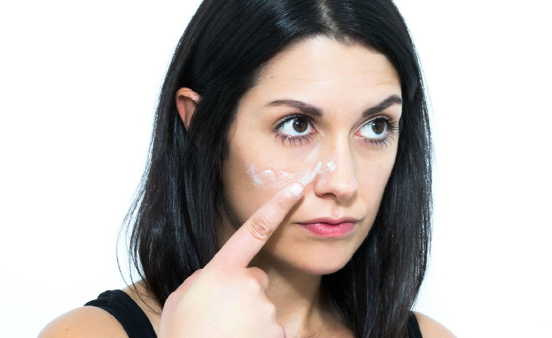 Why You Shouldn't Use Body Moisturizer on Your Face