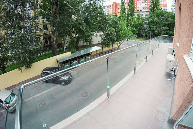 Astonishing glass fencing