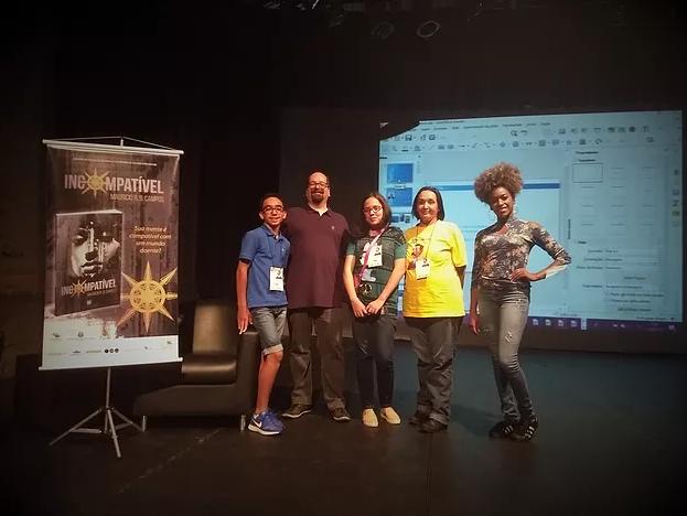 O autor e alguns participantes do evento