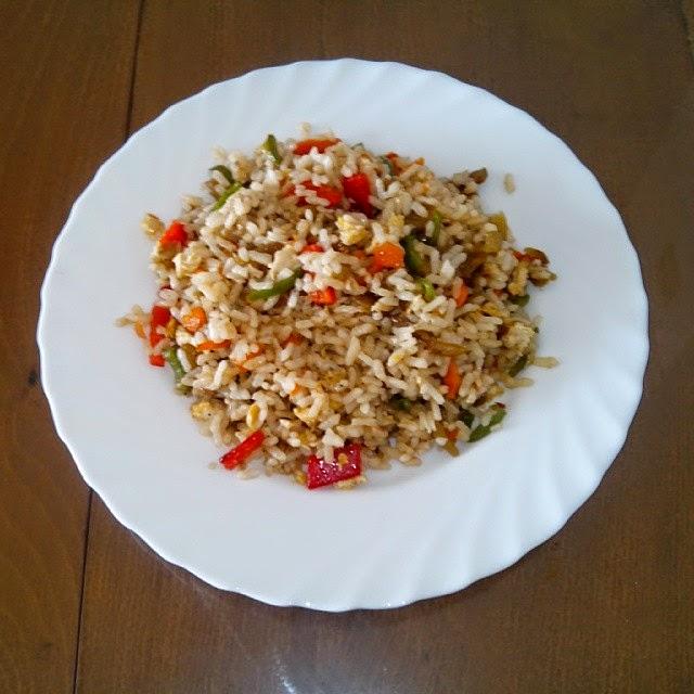 Imagen de arroz con verduras y huevo