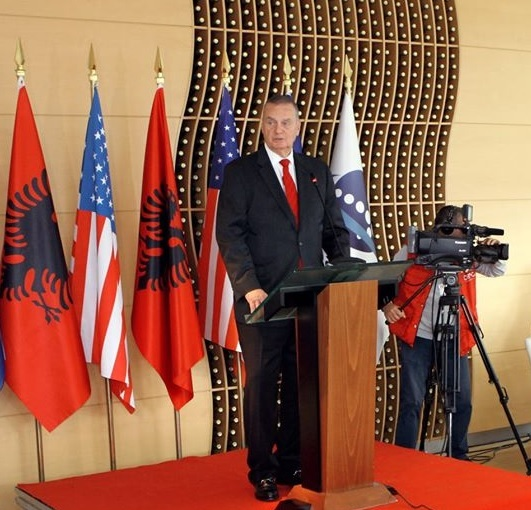 US General James L. Jones: Albania must be vigilant on China offering the 5G technology