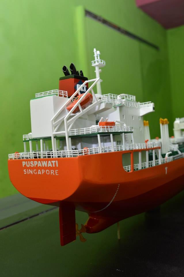 tempat jual miniatur kapal tanker mt puspawati mid fighter pt pertamina rumpun art work planet kapal indonesia terpercaya