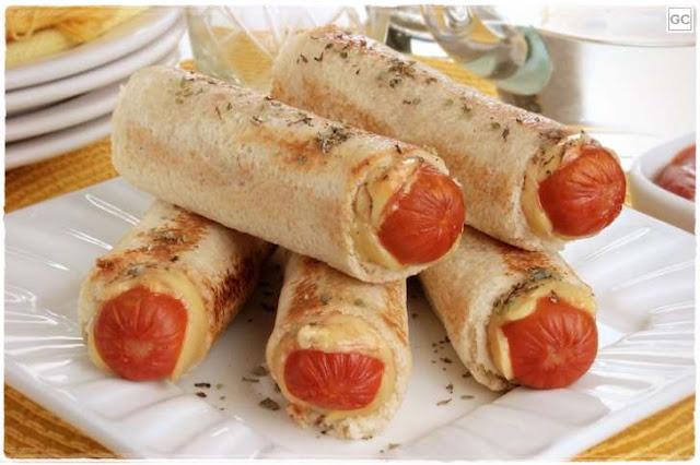 Receita Recipe Receta Enroladinho de Salsicha com Pão de Forma