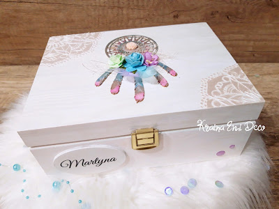 Perłowa szkatułka z łapaczem snów
