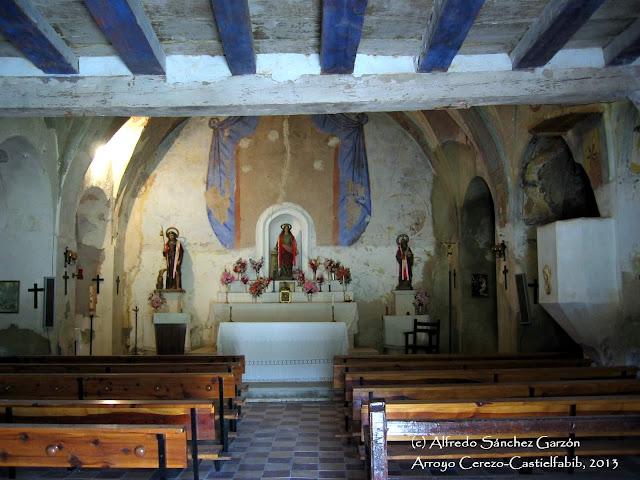 arroyo-cerezo-iglesia-nave