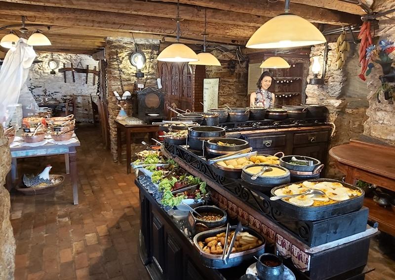 Restaurante da Senzala em Ouro Preto - Contos de Reis