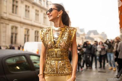 Peças metalizadas e trabalhadas em brocados, lurex, paetê e bordados farão também parte do guarda-roupa feminino