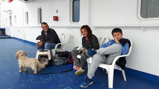 Reisen mit Hund und Kindern - eine Familie reist durch Schweden