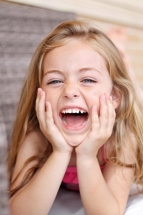 Begini Caranya Mencegah Gigi Berlubang pada Anak