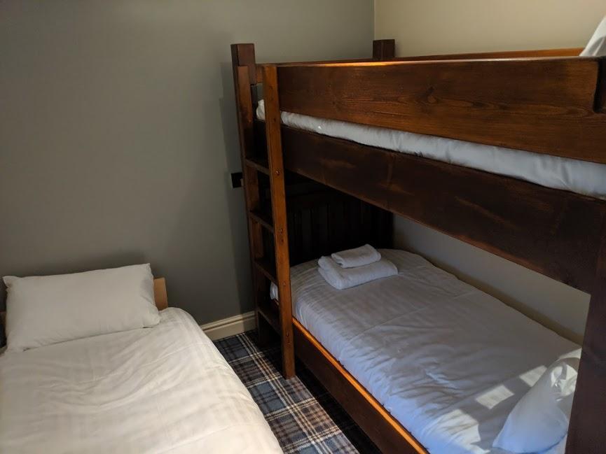 The King's Head Inn Pub near Roseberry Topping - kids bedroom family suite