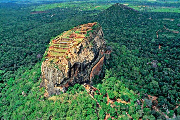 Srilanka olarak bilinen yer Araplar ve Perslerin, Sri Lanka için kullandığı kısaltma bir kelimedir.