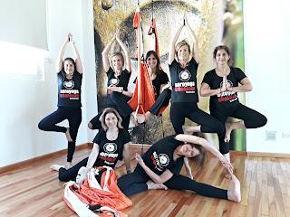 yoga aérien, formation yoga aérien, airyoga, fly, flying, flying yoga, formation pilates aérien, fitness aérien, hamac yoga, santé, maux de dos, mal au dos, bienêtre