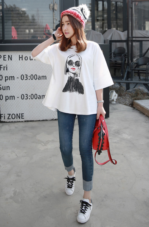 Sketch Girl Print Boxy T-Shirt