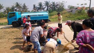Dilanda Krisis Air Bersih, LPM MBS Kirim Air Bersih Ke Tiga Kampung