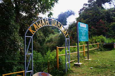 Sign board kawah aktif Darajat-Garut.