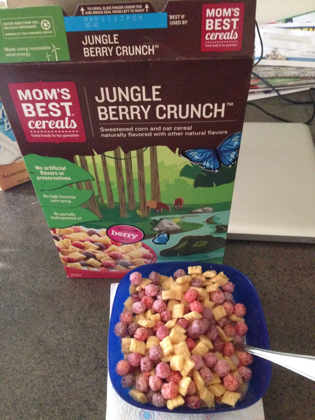 Moms Best On The Natural Side Mom S Best Cereals Jungle Berry Crunch You