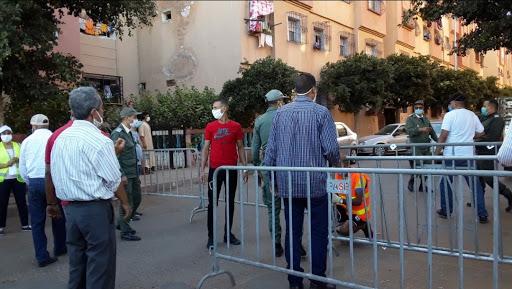 Casablanca- de plus de plus de quartiers confinés et cafés fermées