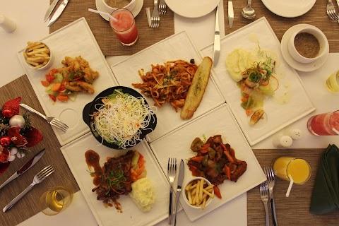 Dining Experience in Cafe Romancon at Hotel Benilde Maison de la Salle