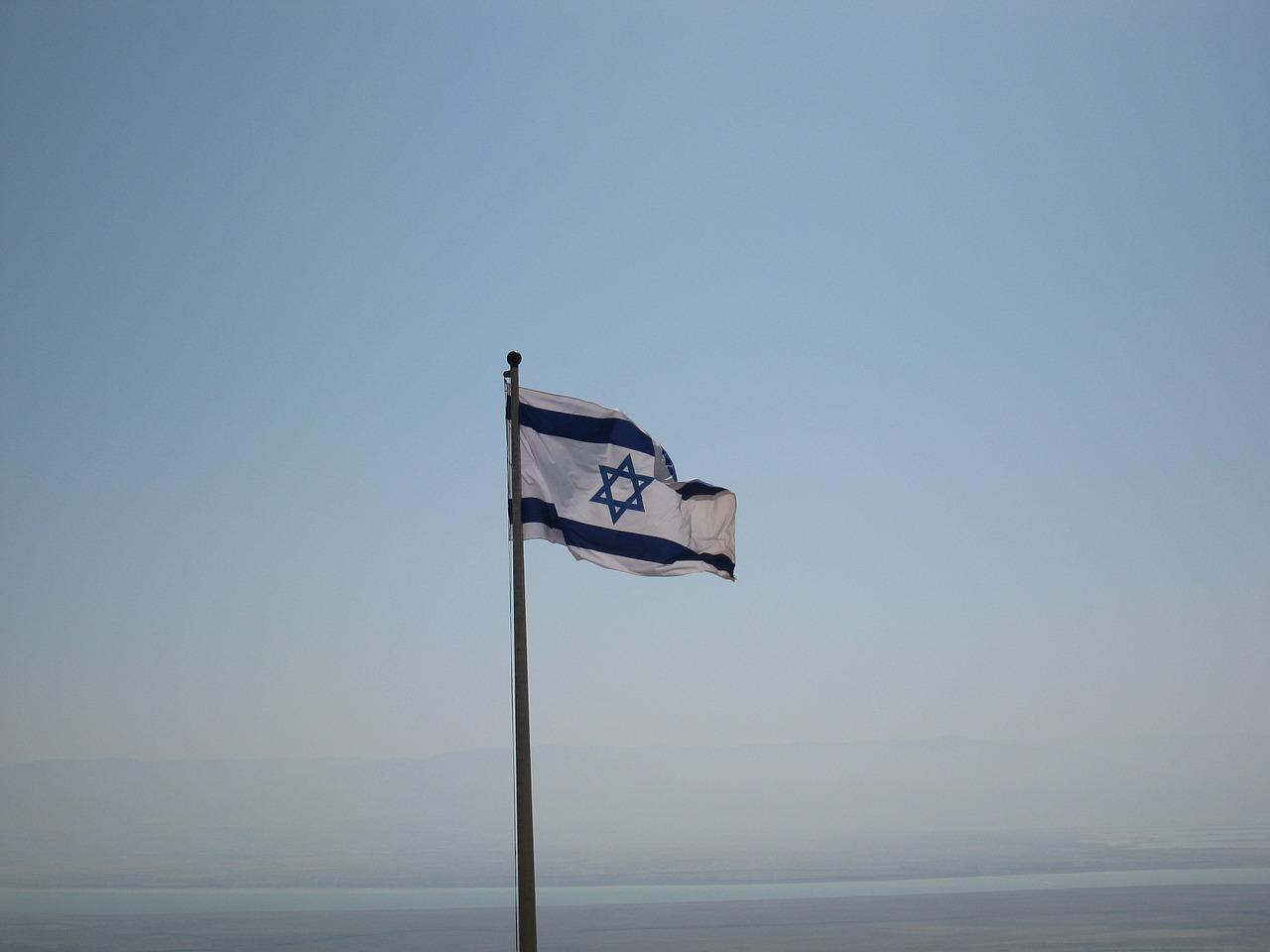 Israel entra em confinamento pela terceira vez, tentando também acelerar ritmo de vacinação