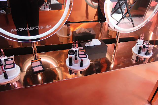 Mirrors in the Nars Orgasm Tour Bus